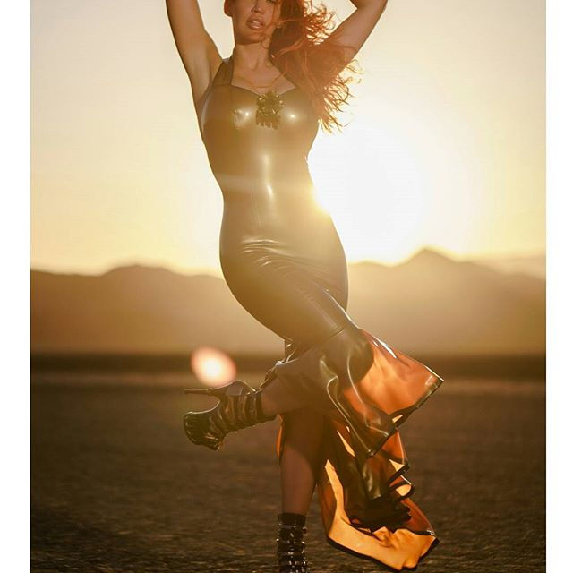 The desert of Nevada couldn't be hotter! /w @biancabeauchampmodel