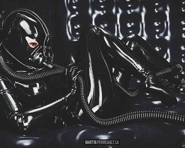 And now for something different... www.martinperreault.com #martinperreault #photography #latex #fetish #dark #black #catsuit #mask #futuristic #mask