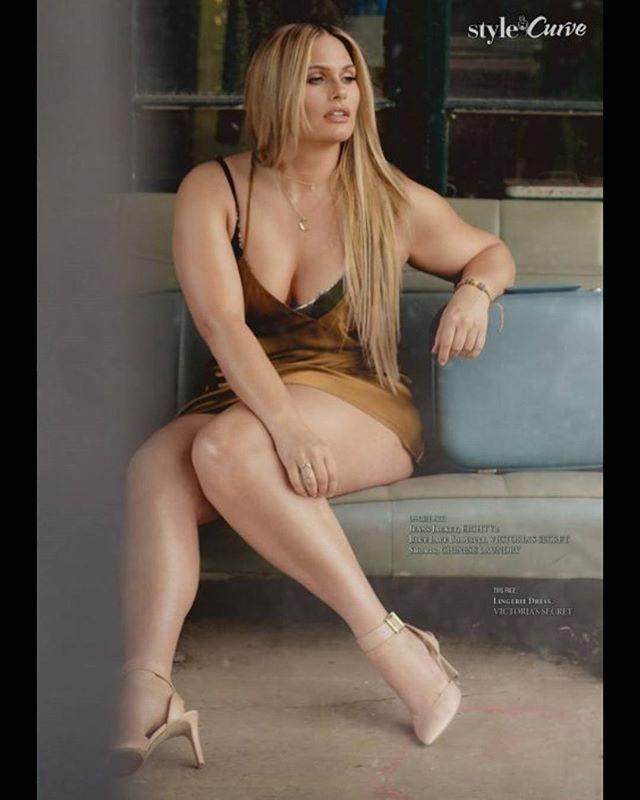With the beautiful @jobybach for @styleandcurve #magazine #photoshoot @martinperreault.ca#model @jobybach#mua #hair @catouMUA#bts #video @yanikphoto#assistants @phototronik & Pat Tremblay#lingerie @victoriassecret#gasstation Daniel Goyette#curvy #curvacious #curves #voluptuous #sexy #round #beautiful #beauty #model #fashion #victoriassecret