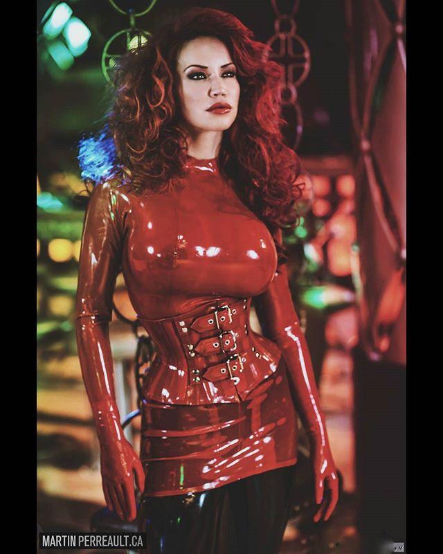Red is passion. www.martinperreault.com #martinperreault #photography #model @biancabeauchampmodel #ilovebianca #biancabeauchamp #redhead #latex #fetish #corset