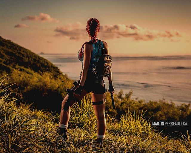 The time I went to #Fiji to photograph #LaraCroft ?. No greenscreen trickery. Real location. www.martinperreault.com #martinperreault #photography #model @biancabeauchampmodel #sunset #real #nogreenscreen