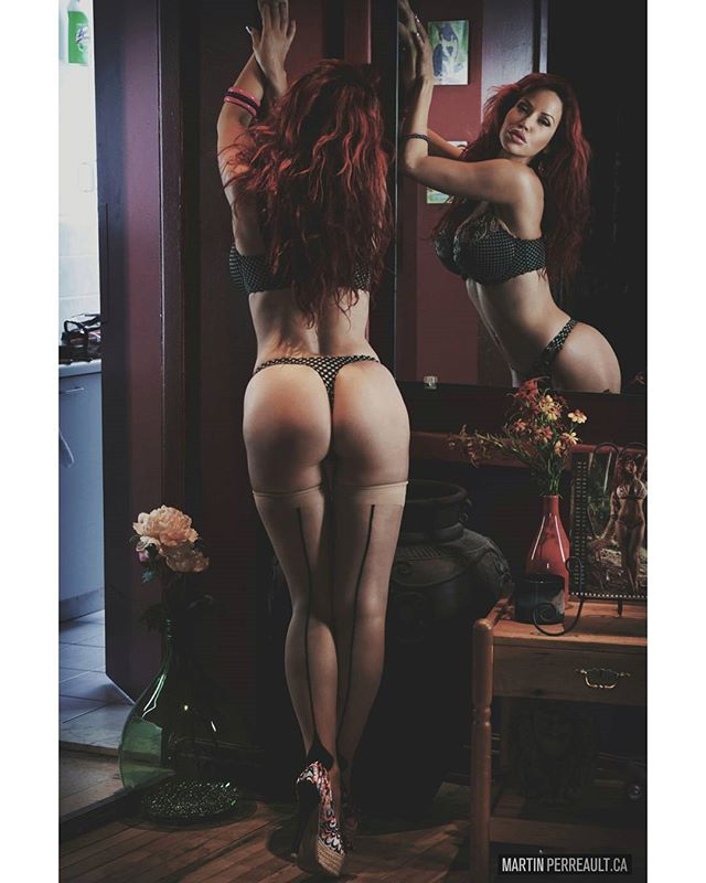 Legs and stockings.www.martinperreault.com #martinperreault #photography #model @biancabeauchampmodel #ilovebianca #biancabeauchamp #redhead #lingerie #legs
